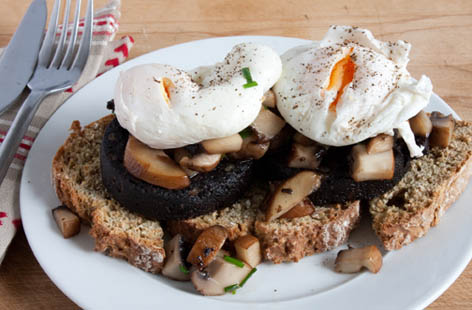 black pudding and poached egg with a twist 1