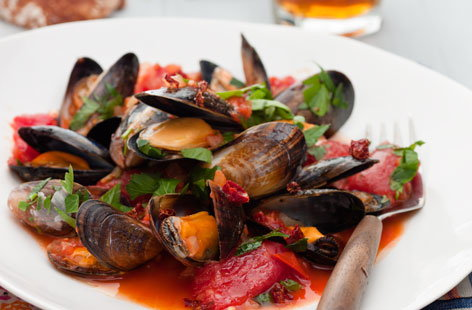 Mussels With Chilli Tomato Sauce Tesco Real Food