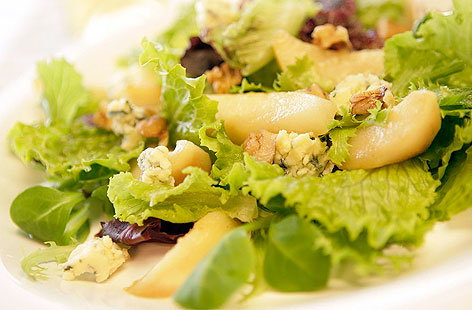 chicories with pears and goat goats cheese with pears chicory pear and ...