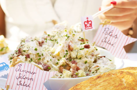 Potato salad with blue cheese