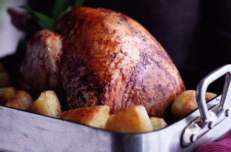 Roast turkey with sausage meat  chestnut  sage and lemon thumb 1bd3d451 7341 4060 8369 b48166451d70 0 146x128
