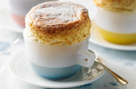 simple rhubarb and custard eggcup souffle