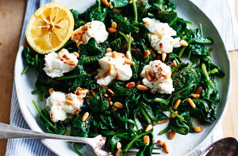 Spinach with pine nuts and ricotta