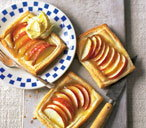 Tasty apple and lemon tarts