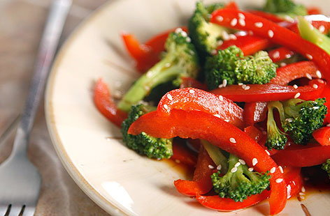 warm broccoli red pepper salad 002THUMB
