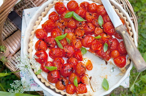 Roasted cherry tomato tart with basil and goats cheese HERO