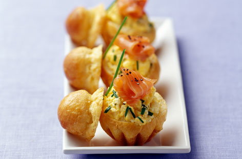 078444 brioche stuffed with scrambled egg and salmon THUMB