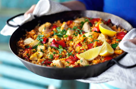 A Valencian peasant dish, paella was traditionally made with ingredients such as rabbit, chicken and snails. Shellfsh came later, as the dish grew in popularity