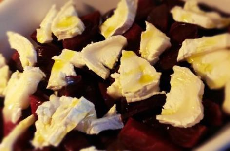 Roasted beetroots with chevre