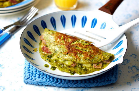 Add a little green to your breakfast favourite with this easy green eggs and ham dish, it makes a speedy and satisfying brunch