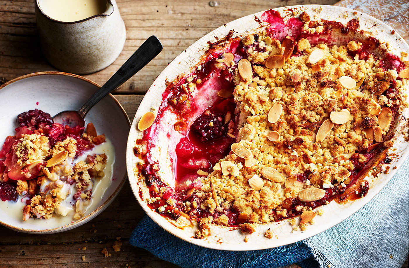 Apple and berry crumble recipe
