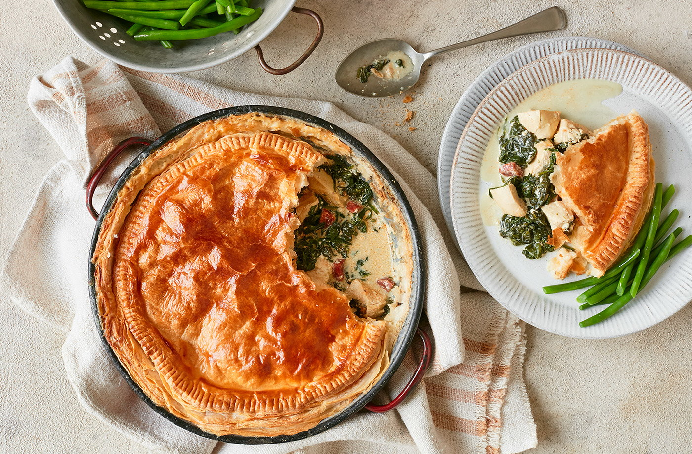 Creamy Chicken Chorizo And Spinach Pie Tesco Real Food