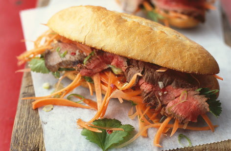 148739 roast beef, carrot and coriander sandwich HERO