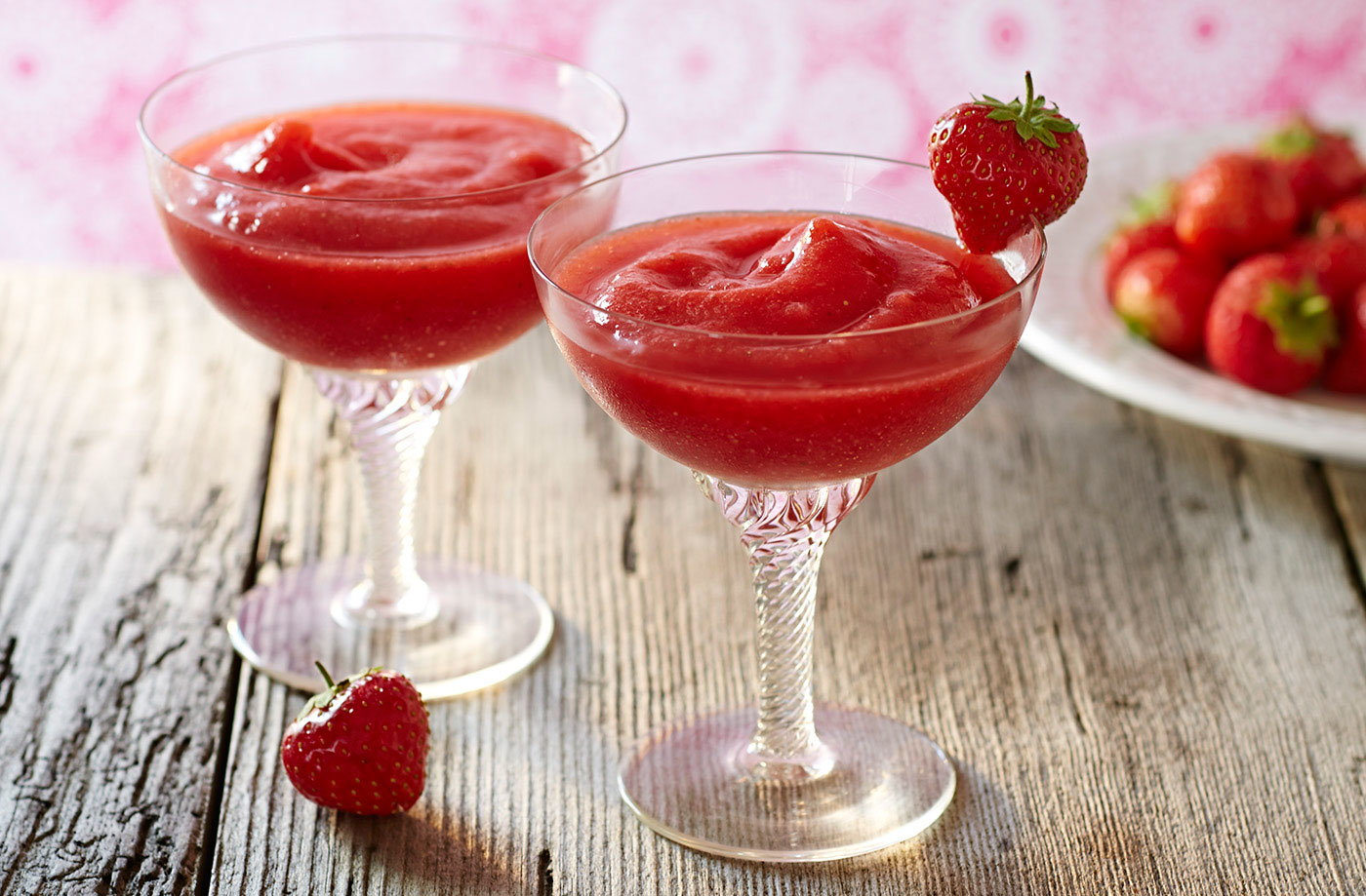 Strawberry Daiquiri Recipe Cocktail Tesco Real Food