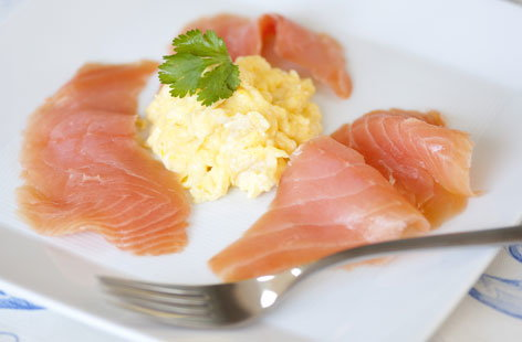 Scrambled eggs with smoked salmon | Tesco Real Food
