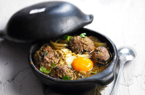 Minced meat tagine with eggs recipe