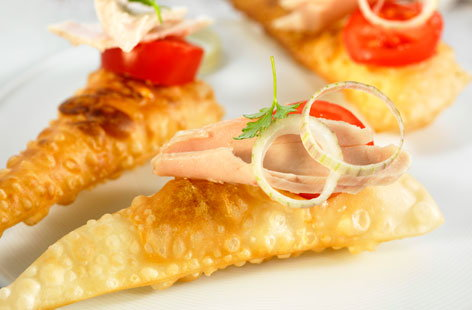 171720 Tuna empanadas with tomatoes THUMB