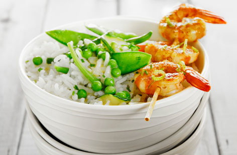 175093 curry flavoured shrimp brochettes, Thai rice with green vegetables and lime HERO