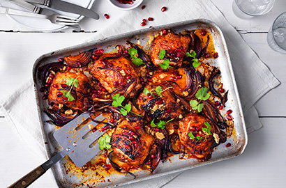 A staple ingredient at the heart of many simple dishes, chicken is really versatile –get inspired with our easy chicken recipes