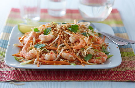 Prawn pad Thai salad
