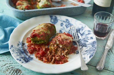 25 Stuffed cabbage rolls (H)
