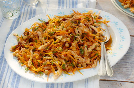 Carrot, chickpea and harissa chicken salad