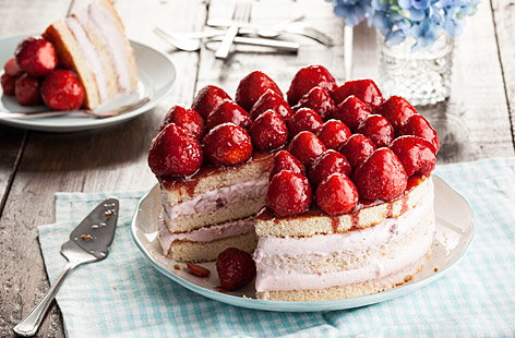Strawberry Gateau Ice Cream Cake Tesco Real Food