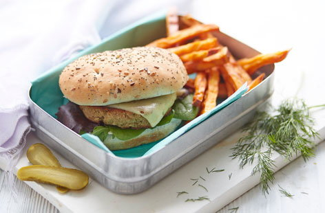 Mackerel burger with sweet potato chips