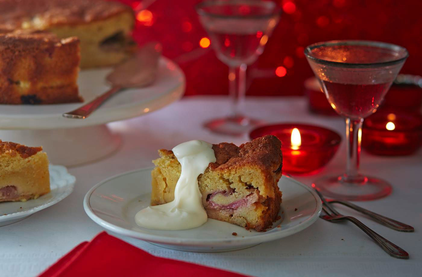 Rhubarb cake with cardamom and custard recipe