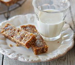 Gluten-free fig and pecan nut bars