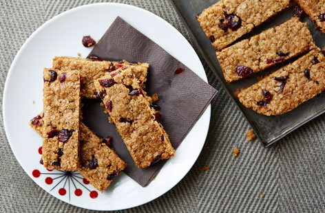 These crunchy nut-free snack bars are a tasty treat for those on the go