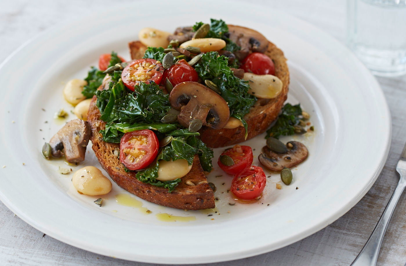 Tomato, mushroom and bean pan-fry