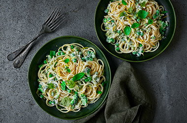 Zesty ricotta and broccoli spaghetti