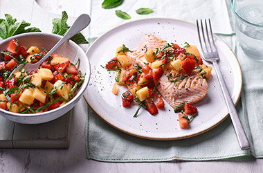 Salmon with mint, strawberry and melon salsa
