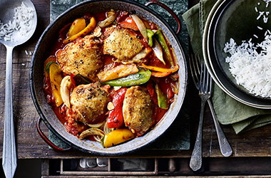 Spanish-inspired chicken and peppers one-pot