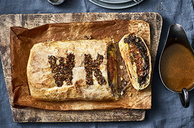 Vegan cheeseburger wellington