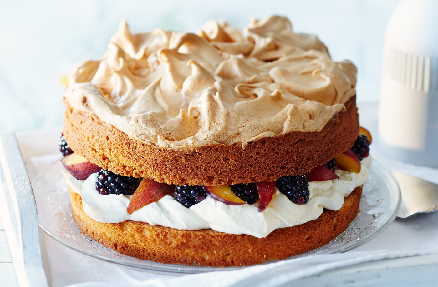 Peach and blackberry meringue crown cake  recipe