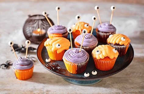 These mini monster muffins are bone-chillingly cute and make the perfect treat for Halloween