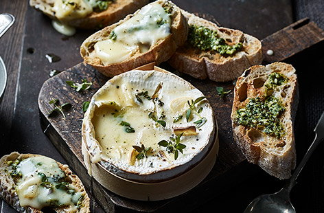 There's no better starter or indulgent snack than this oozing, cheesy dip