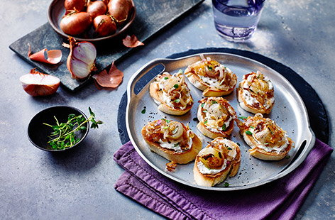 Sweeter and more delicate than brown onions, shallots add a lovely, caramelised flavour and pair excellently with salty, creamy goat's cheese in this crostini recipe