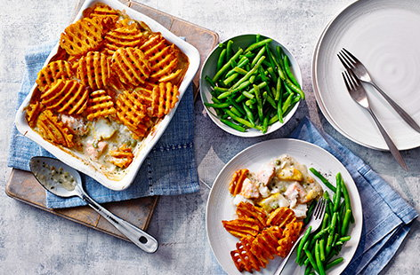 This 5-ingredient cheat's fish pie recipe is the easiest shortcut to a hearty midweek meal for the family. Using ready made parsley sauce and frozen fish, simply add the fun crispy potato lattice topping, bake and serve with green beans - dinner is served!