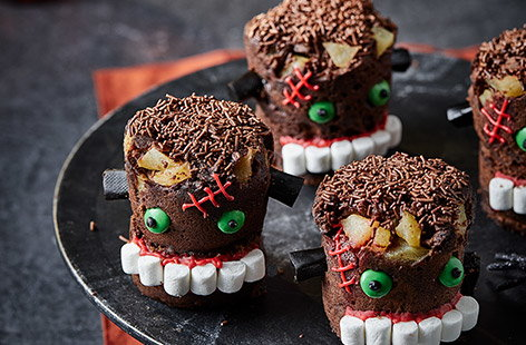 Chocolate mug cakes are given a spooky twist in this quick and easy Halloween recipe