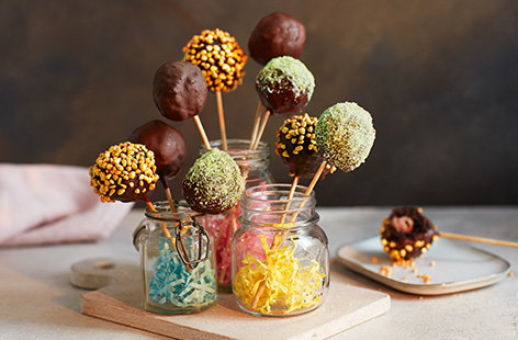 Mini egg cake pops