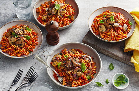 Give this tangy balsamic mushroom pasta with tomato sauce and basil a go for your next meat-free meal.