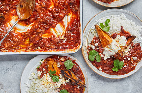 Smoky chilli baked beans