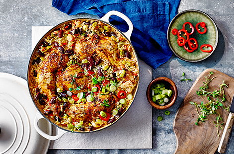 Spicy chicken, rice and peas bake