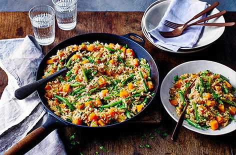A vegetarian twist on the classic Spanish dish, this autumnal butternut squash paella is an easy shortcut to a hearty midweek meal. Bring the flavours of Spain to your table with plenty of healthy