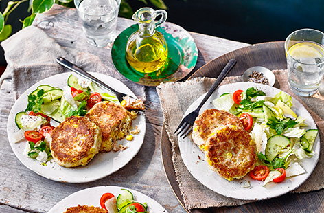 Tuna and sweetcorn is a classic combination, so works perfectly in these healthy tuna and sweetcorn fishcakes. Serve up crispy fishcakes with a fresh tomato and cucumber salad for an easy dinner or weekend lunch idea.