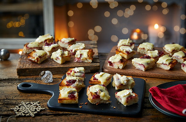 Brie and cranberry focaccia bites