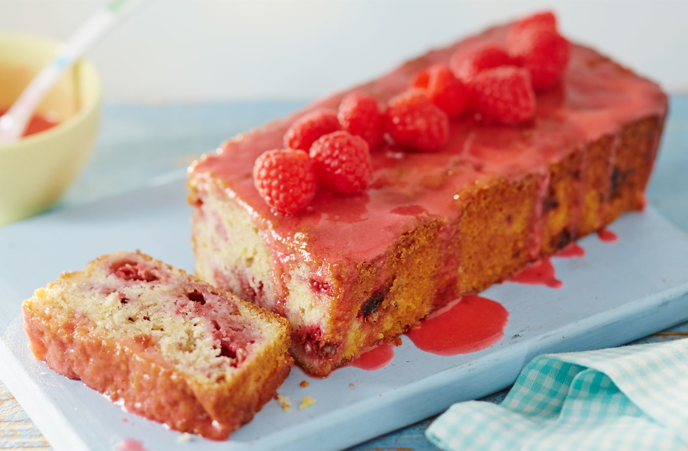 Lemon and raspberry loaf with raspberry icing recipe